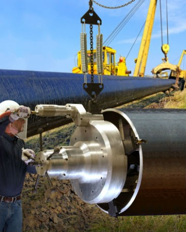 Pipe beveling tool preps large pipe for precision welds