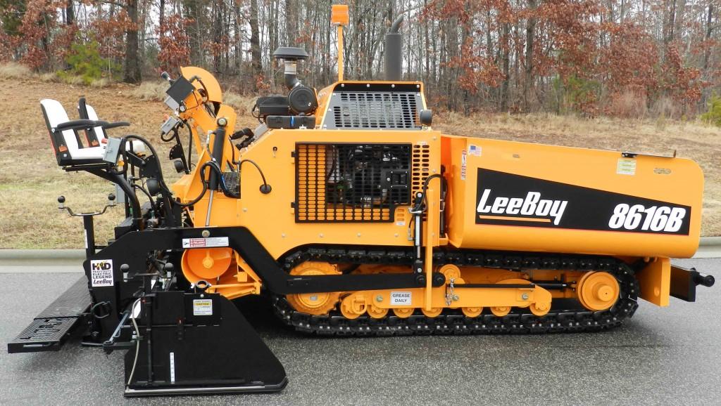 LeeBoy - 8616B Asphalt Pavers