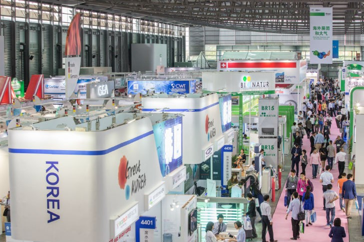 Full halls at IE expo 2015