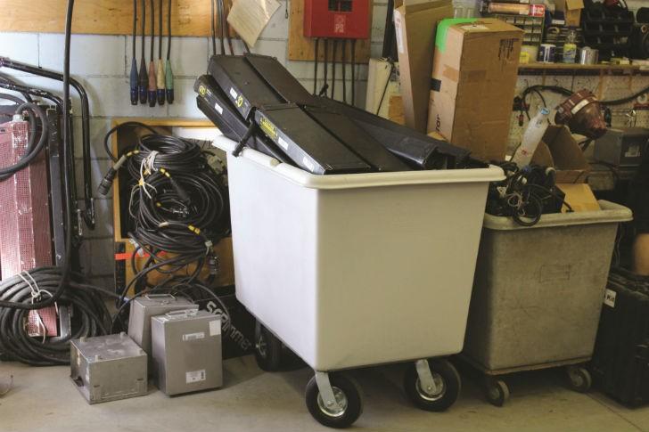 145B Techstar Starcart material handling cart with pneumatic casters.