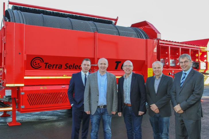 L to R: Thomas Hein, managing director of the Eggersmann Group,  Bernd, Christian and Andreas Farwick, managing directors of Terra Select, and Karlgünter Eggersmann, managing director of the Eggersmann Group.