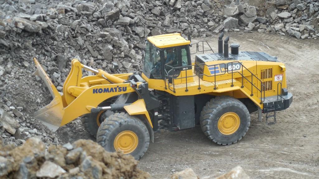 Komatsu WA600-8 wheel loader.