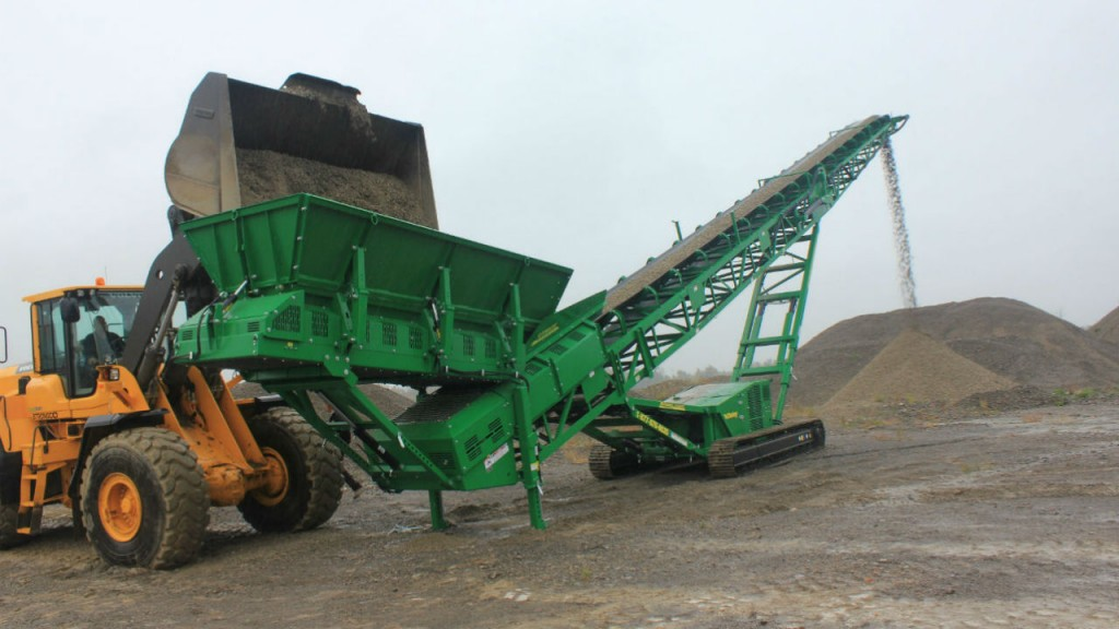 The new ST80TF has large capacity hopper with adjustable height.
