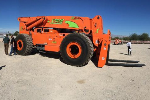 Xtreme Manufacturing - XR7038 Telehandlers