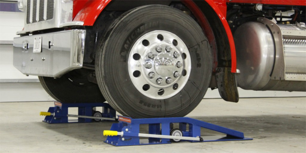 Model MSGR-20s-11 11-inch and MSGR-20s-16 16-inch Spring Truck Ramps support as much as 20 ton per pair and feature patented spring wheel assemblies. While other truck ramps require a worker to manually raise the wheels off the ground.