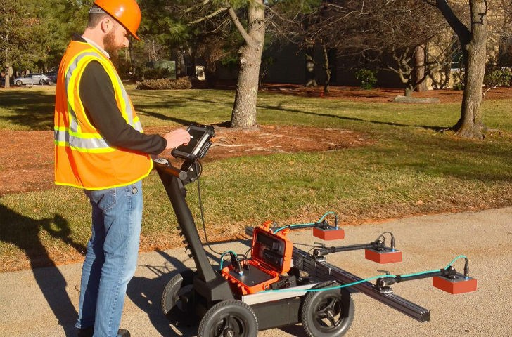 PaveScan offers an easy and affordable assessment tool to nondestructively determine asphalt density during application.