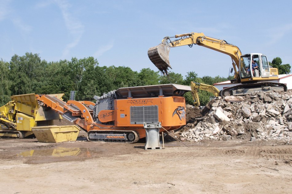 Rockster North America Inc. - Duplex-System R900 and R800 Track Mounted Impact Crushers