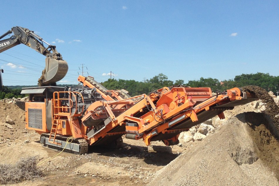 Rockster North America Inc. - R1100DS/R1200D Track Mounted Impact Crushers