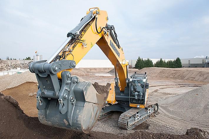 Liebherr Canada - R 946 Excavators