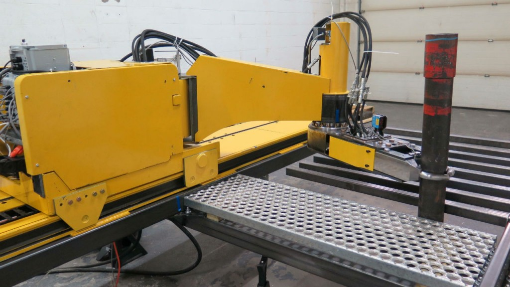 Automated pipe arm handles dangerous rig work - Oil & Gas Product News