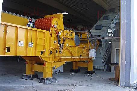 Continental Biomass Industries, Inc. - Magnum Force 6800-B Horizontal Grinders
