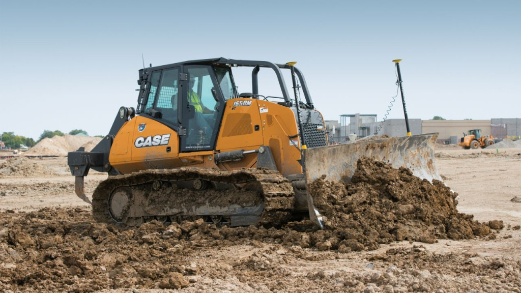 New program expands availability of off-machine Leica Geosystems precision construction tools through CASE dealers; simplifies ordering and customer service for CASE equipment owners.