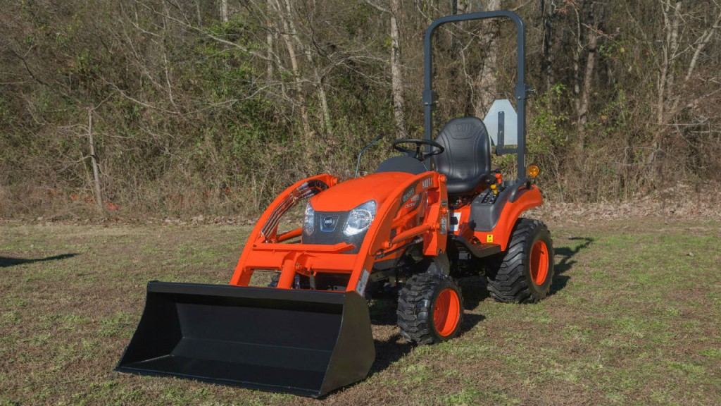 The CS2510 sub-compact tractor offer a 21.1 HP and 24.5 HP diesel engine.