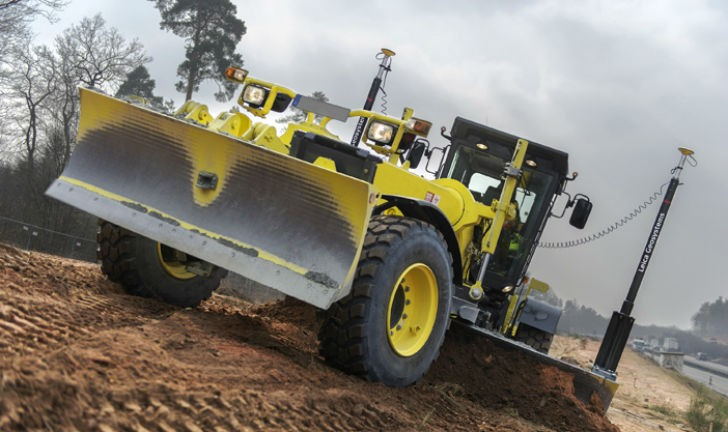 iCON grade iGG4 utilizes the full potential of motor graders.