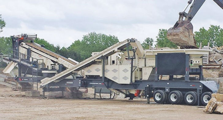The new Terex Cedarapids CRH1313R delivers big production and has the versatility to handle rock crushing, concrete recycling, and asphalt recycling.