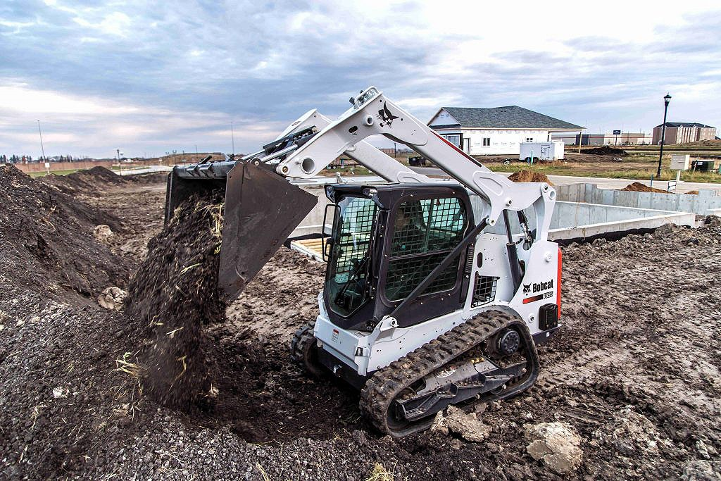 Bobcat Company - T595 Compact Track Loaders