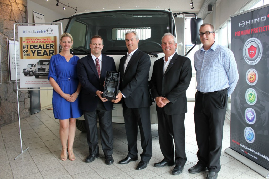 (From left to right: Jennifer Fitzsimmons, Director of People and Culture (Humberview Group), Eric Smith, Senior Vice President, Sales and Customer Support (HMC), John Esplen, Dealer Principal (Tri Truck Centre), Rick Howitt, General Manager (Tri Truck Centre), Kevin James Reason, Central Region Sales Manager (HMC)