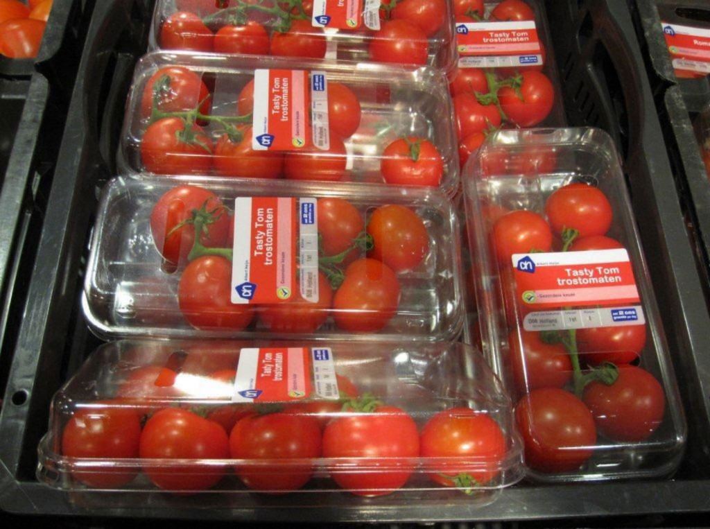 More and more PET thermoformed packaging are placed on the market in Europe .