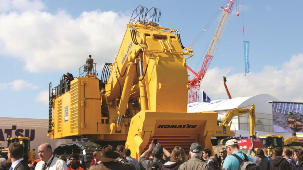 Mining equipment was also on display, like this crowd-drawing 200-tonne-class Komatsu excavator.