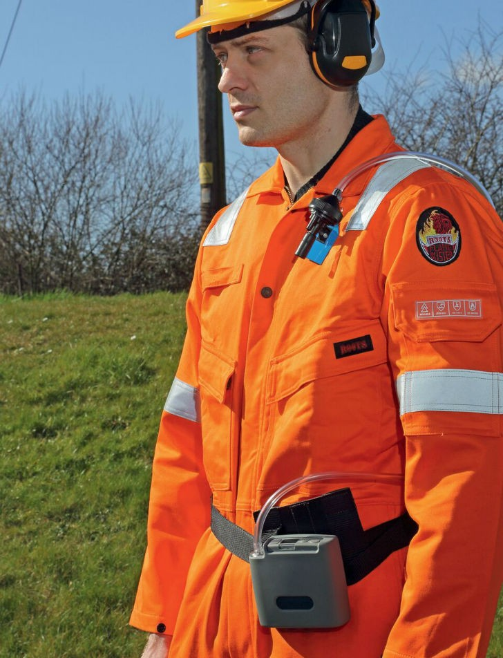 Casella Apex2 personal sampling pump to monitor dust exposure in the workplace.