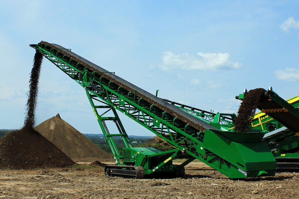 McCloskey International - ST80T and ST100T Tracked Stackers