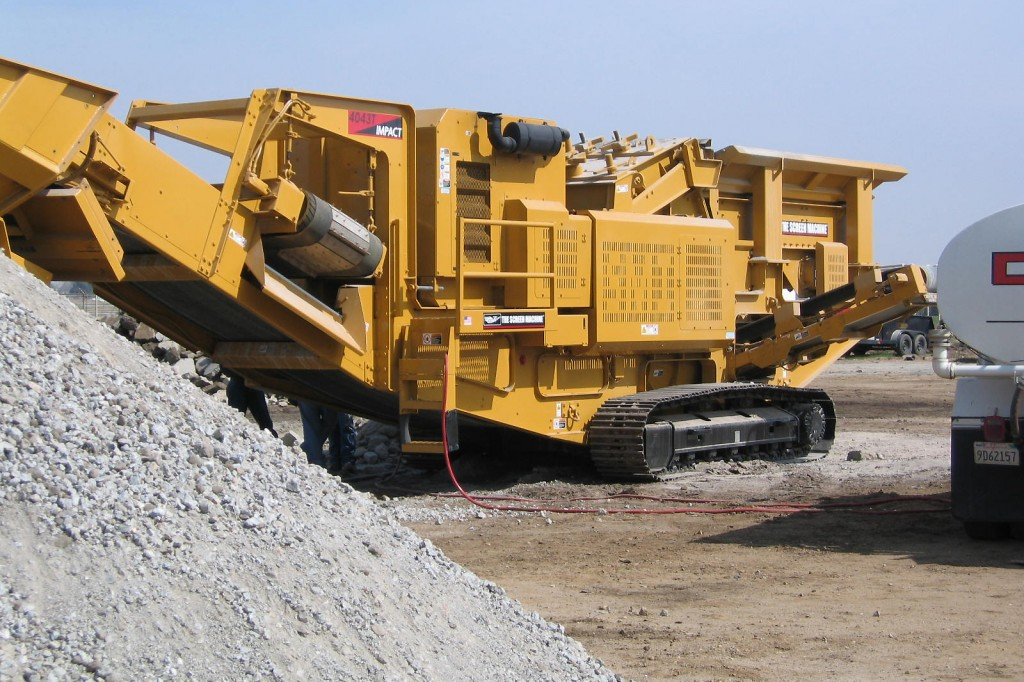 Screen Machine Industries, Inc. - 4043T Track Mounted Impact Crushers