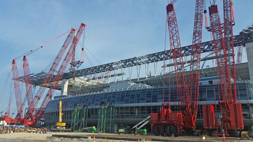 Manitowoc lattice-boom crawler cranes were used for the construction of the Miami Dolphins football stadium.