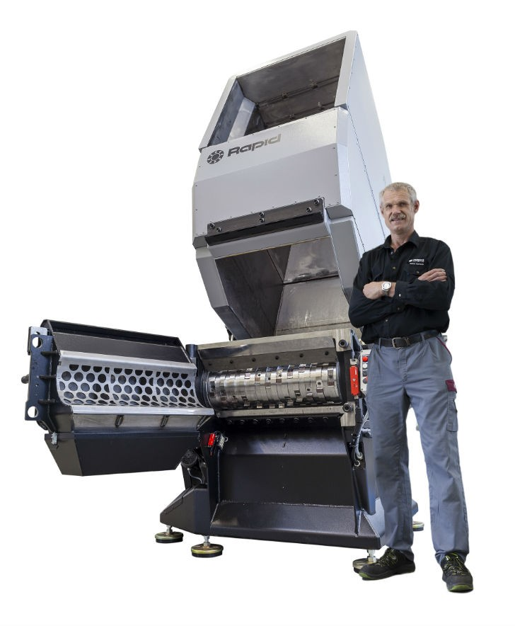 """Raptor 800 – One of the """"Open Hearted"""" shredders from Rapid new shredder series."""