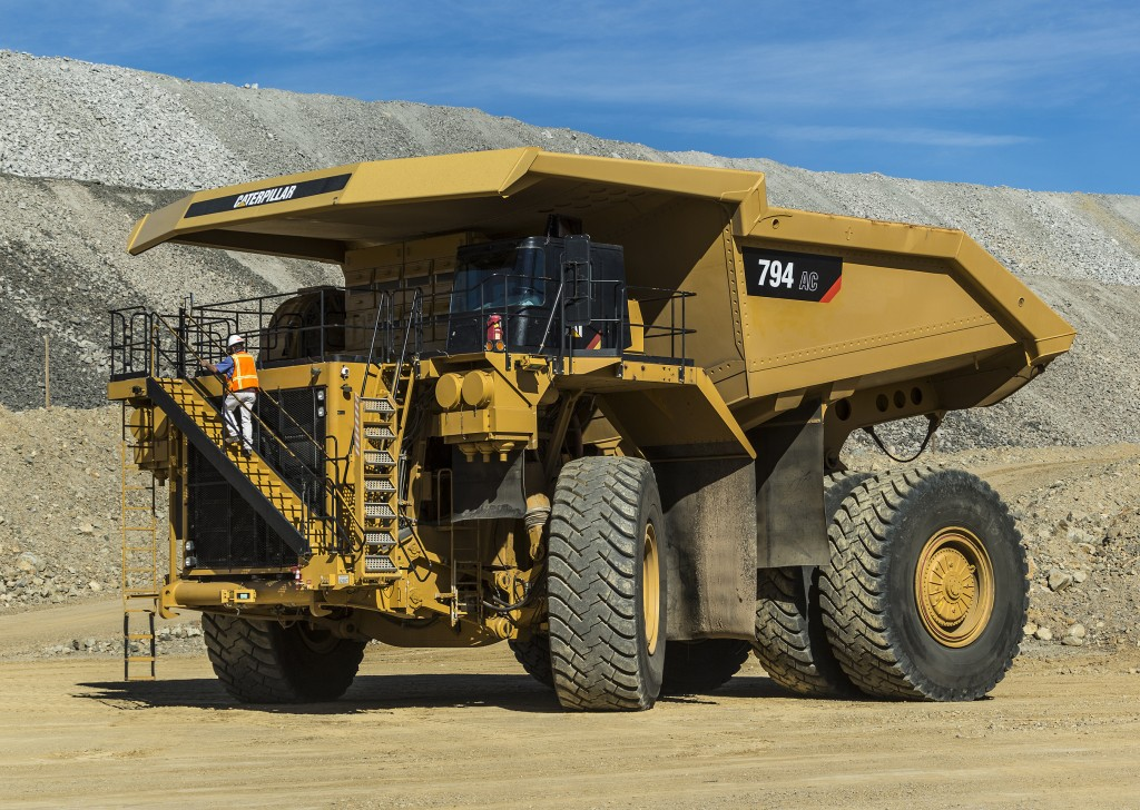 The 794 AC is designed to Deliver a true 291 tonnes (320 tons) capacity .