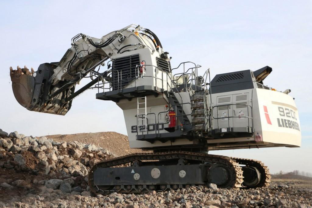 Liebherr Canada - R 9200 Excavators