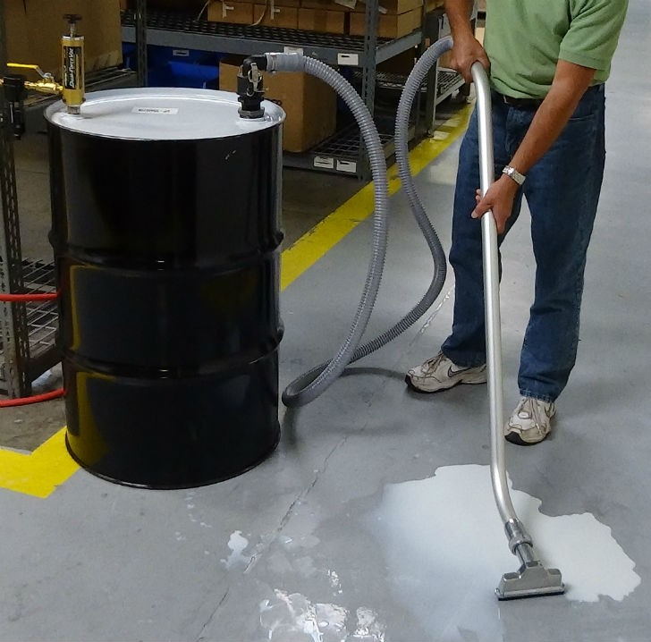 The Dual Force Vac Drum Pump operates in two modes: FILL mode and DISCHARGE mode; it fills or empties a 55 gallon drum in less than two minutes.