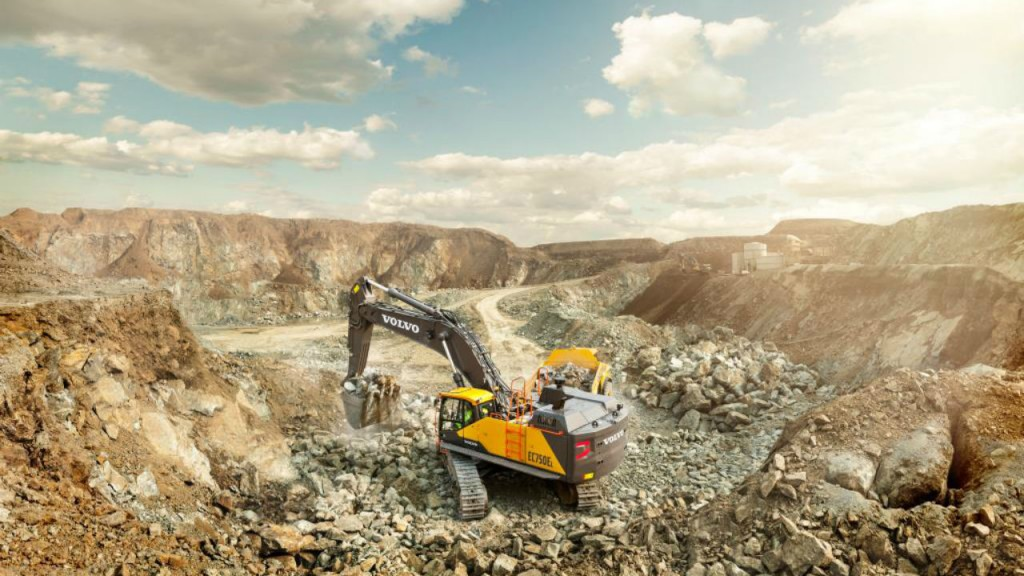 The EC750E from Volvo Construction Equipment is a 75 tonne class crawler excavator that offers the perfect combination of power and stability to handle a higher capacity in any application.