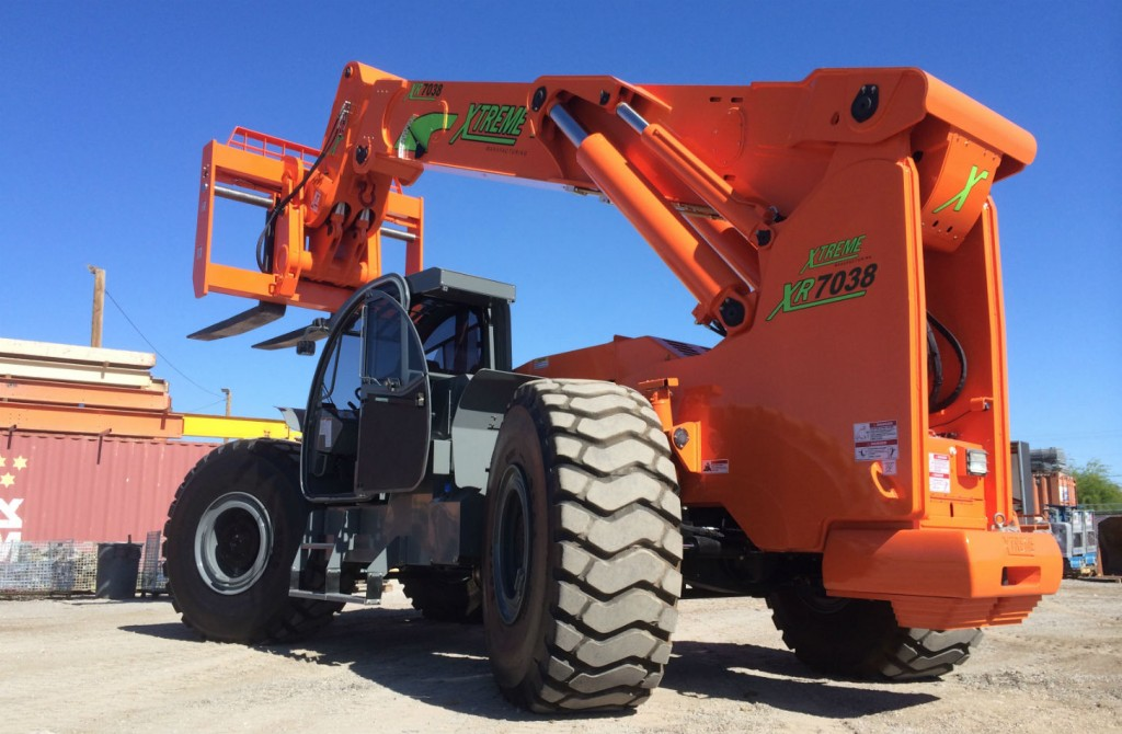 With the ability to lift an incredible 70,000lbs, the XR7038 is the largest capacity telehandler in North America.