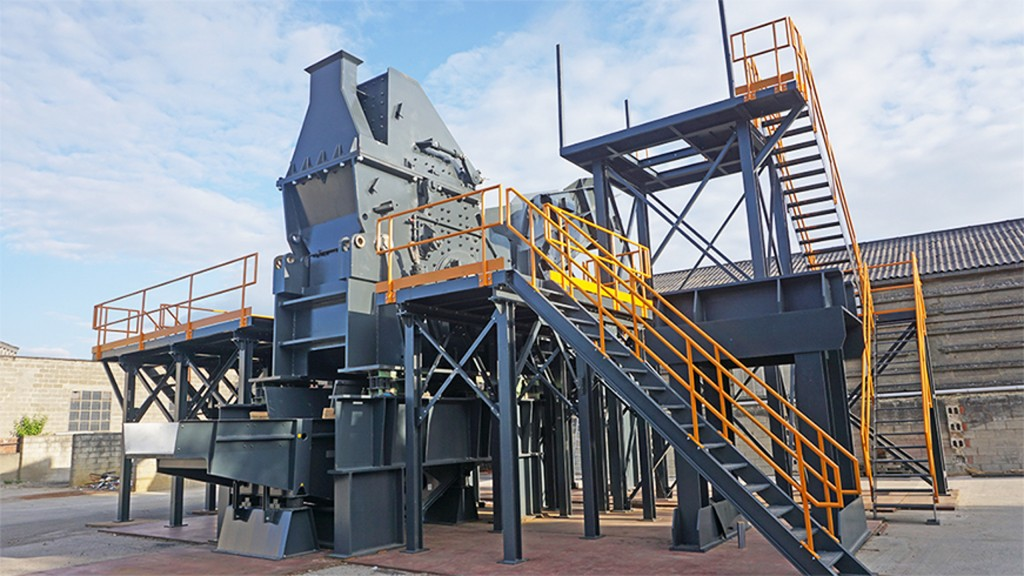 LEFORT's new MTP 800 shredders include dust extraction units, vibrating tables and a waste sorting selection system, all tailored to customer needs.