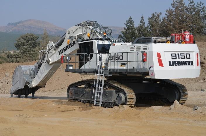 Liebherr Canada - R 9150 Excavators