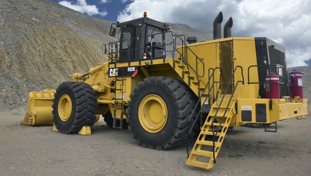 Cat 992K wheel loader's latest updates advance efficiency, safety and uptime