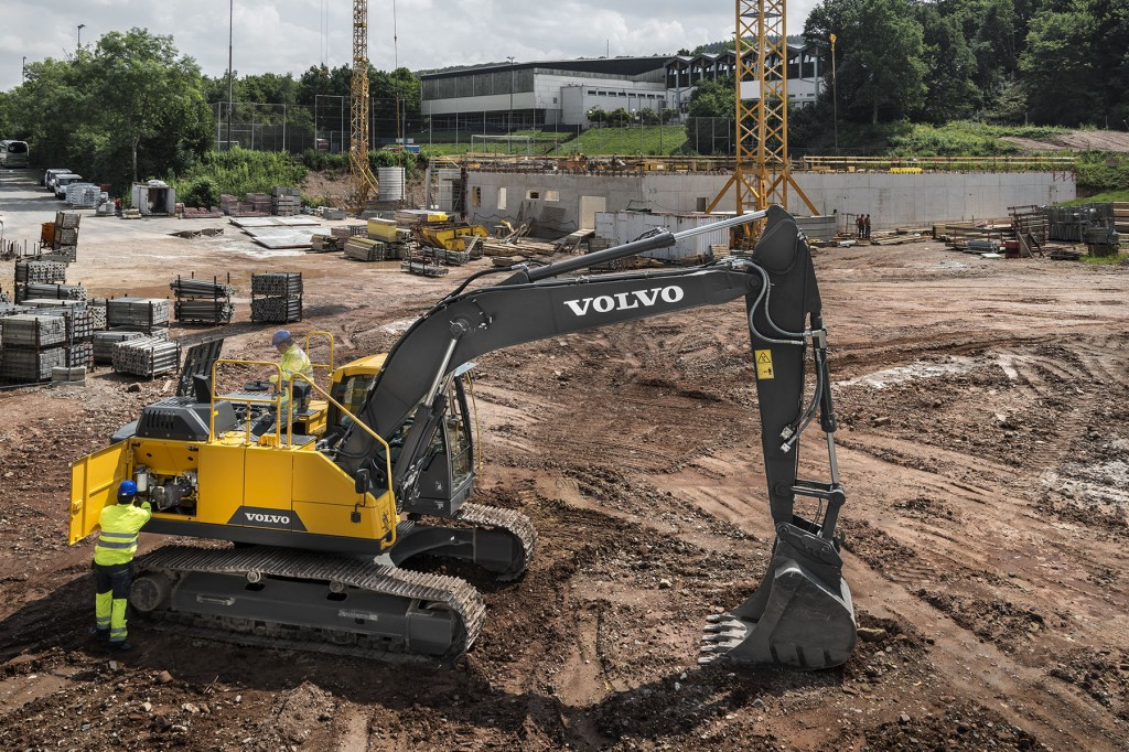 Volvo Construction Equipment - EC220E Excavators