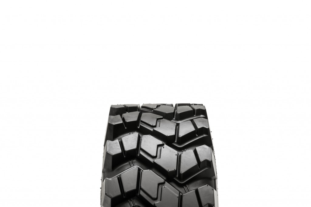 Camso - SKS 753 Tires
