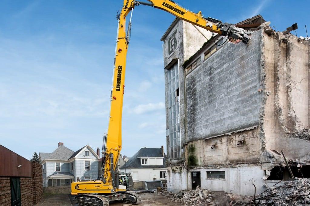 Liebherr Canada - R 960 Demolition Litronic Excavators