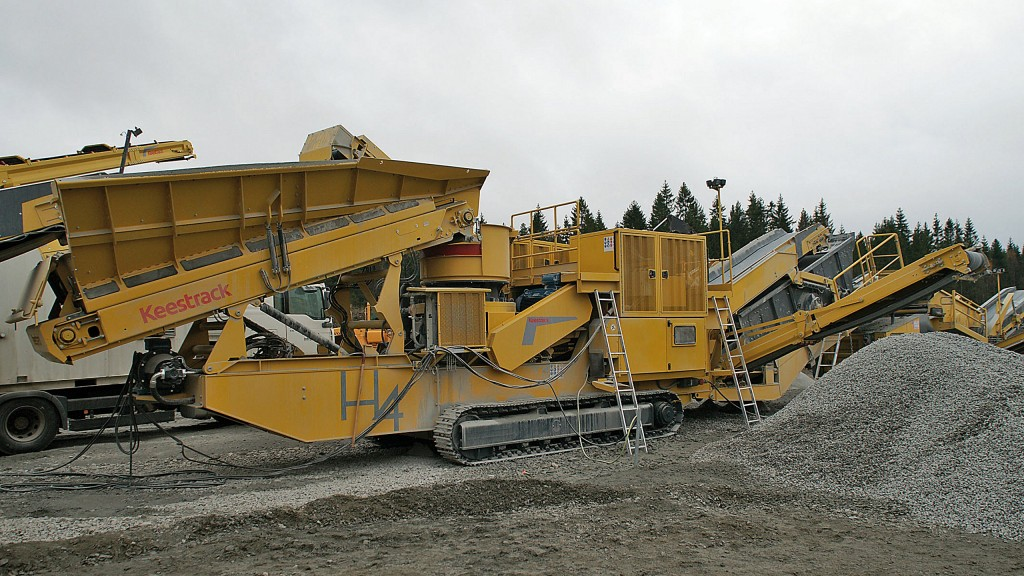 The KEESTRACK H4 cone crusher H4, which debuted at Bauma 2016, is now available as the full-hybrid version (electric-diesel) H4e.