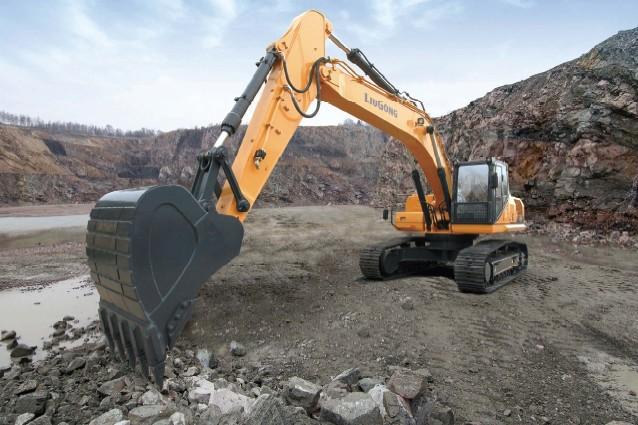 LiuGong North America - CLG930EII Excavators