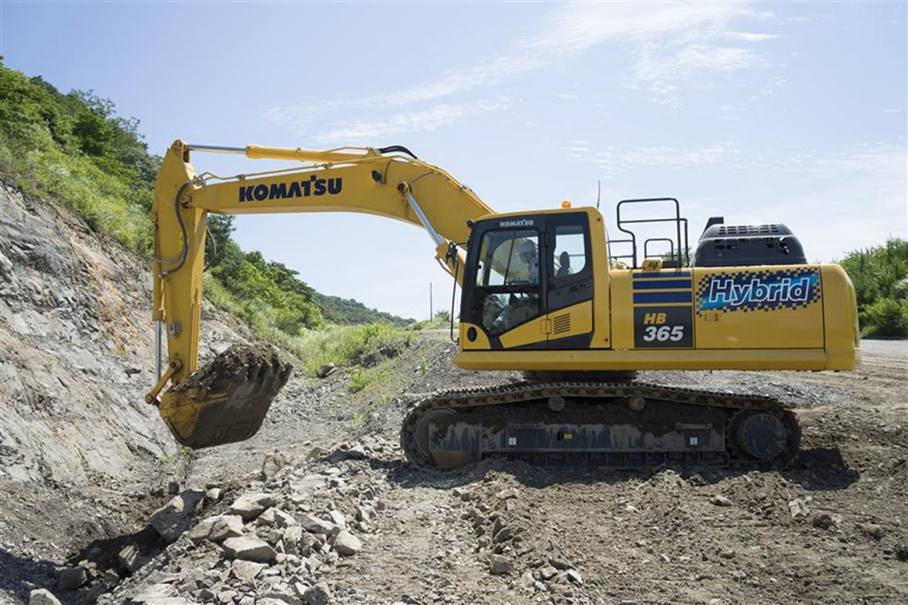Komatsu introduces the HB3650LC-3 hybrid excavator at CONEXPO