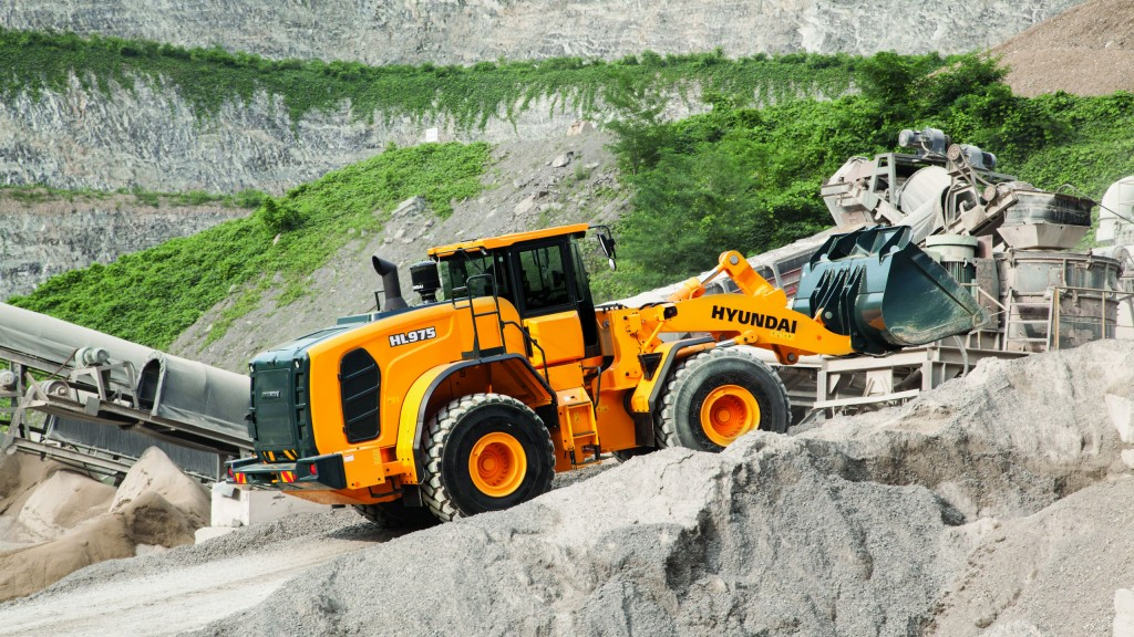 Hyundai Construction Equipment Americas adds  HL975 and HL965 to wheel loader product line
