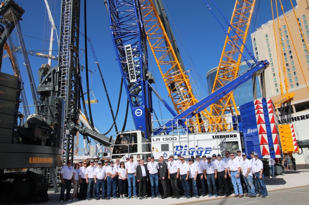Liebherr celebrates handover of LR 1300 to Bigge during CONEXPO