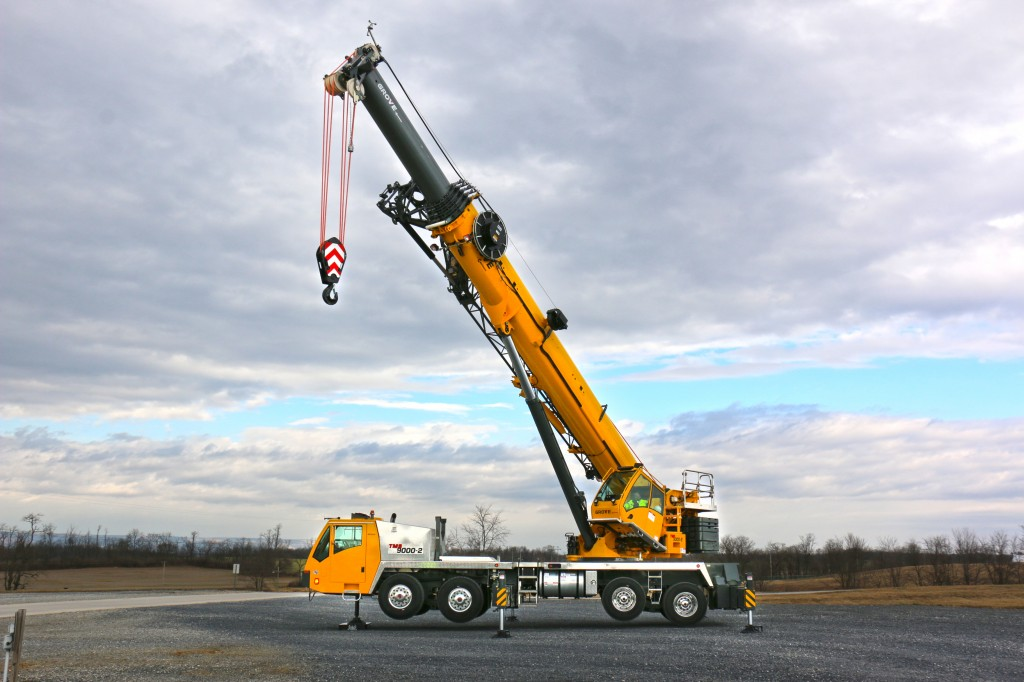 Manitowoc Company, Inc - TMS9000-2 Truck Mounted Cranes