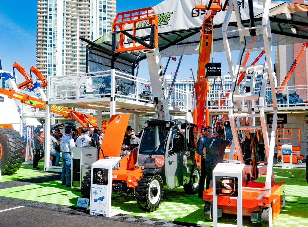 SNORKEL expands product line with new material lifts, telescopic mast lifts and telehandlers