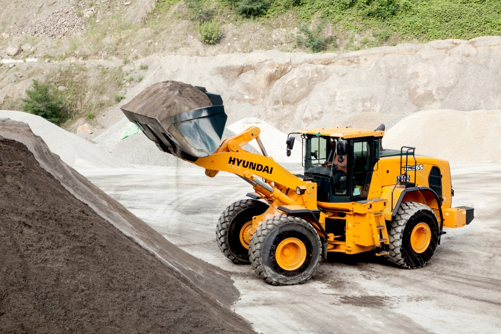 Hyundai Construction Equipment Americas Inc. - HL965 Wheel Loaders