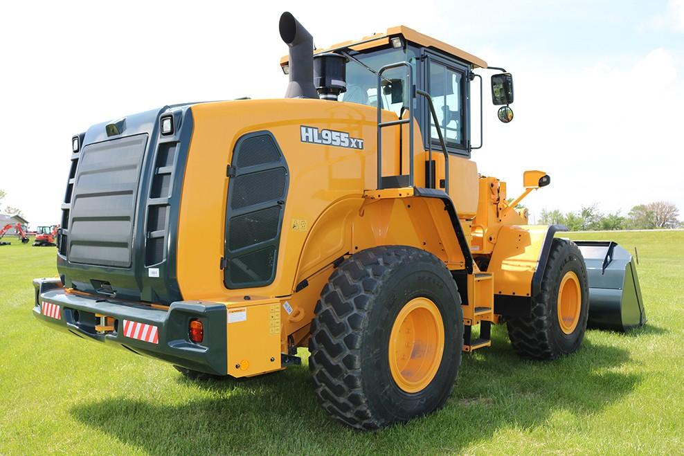 Hyundai Construction Equipment Americas Inc. - HL955 XT Wheel Loaders