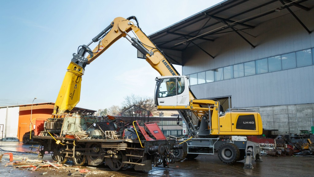 Liebherr LH 40 M Industry Litronic  provides maximum handling capacity and low fuel consumption
