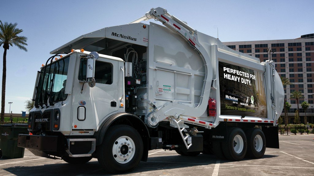 McNeilus shows commitment to industry, showcases performance upgrades at Waste Expo 2017